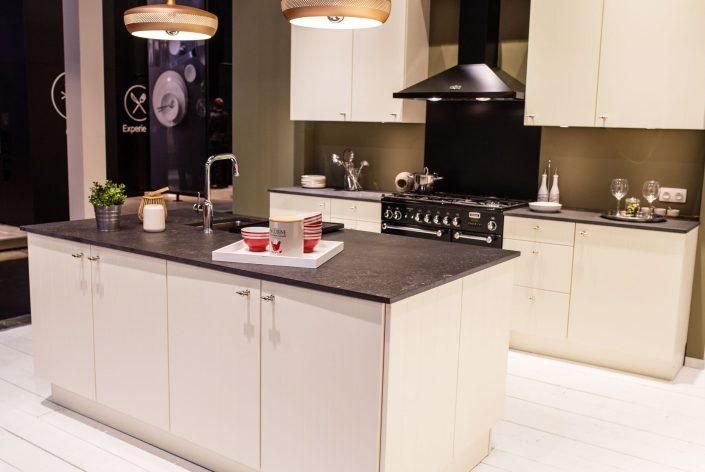 Küche - Arbeitsplatte aus Dekton