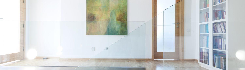 Wohnbereich - Geländer aus Glas